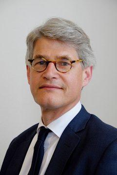 Mr Hilbrand Breuker over Woningontruiming door Hart in Friesland
